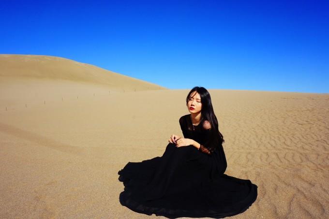 手绘沙漠风景图片