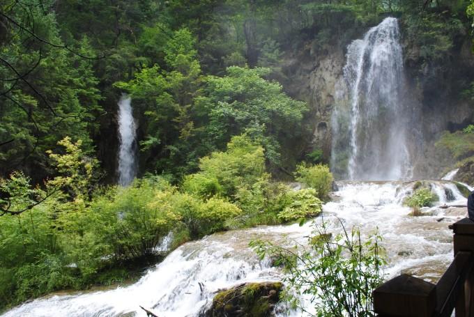 壁纸 风景 旅游 瀑布 山水 桌面 680_455