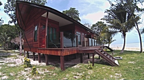 4栋半独立新沙滩木屋位于海龟孵化区