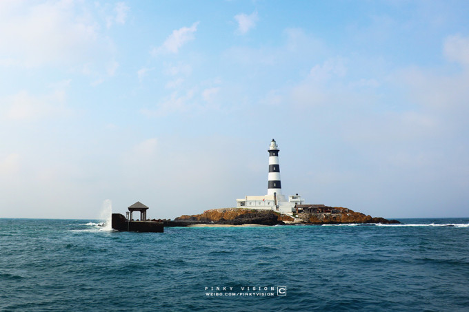 目斗屿灯塔是澎湖列岛最北端岛屿,是一座孤岛,没有人居住,但有人