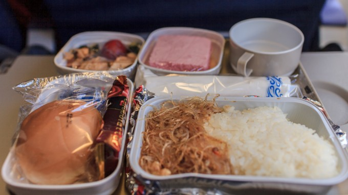 国航的飞机餐是如此的惨不忍睹啊(╥﹏╥.)